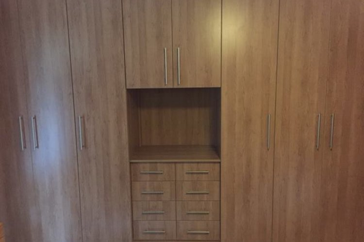 Built in cupboards carpentry king for Ready built cupboards